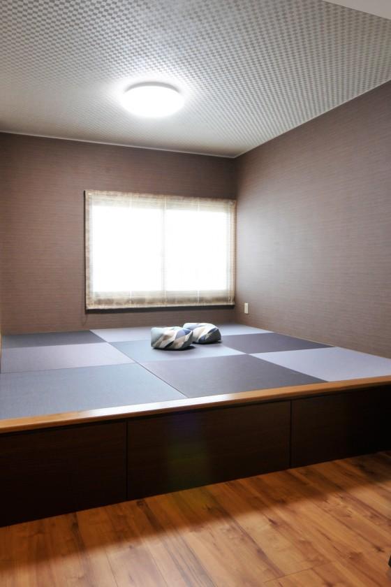 畳ベッドのあるアジアンテイスト調の寝室リフォーム/石川県 ...